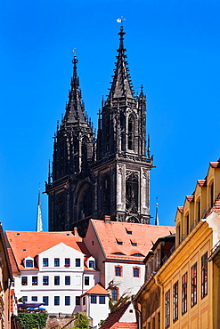 View through Burgstrasse lane to Albrechtsburg Castle and cathedral, Meissen, Saxony, Germany, Europe