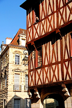 Tonw of France, Burgundy, cote d'or, Dijon, old houses, ambiance