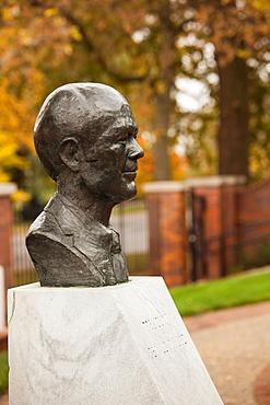 USA, Nebraska, Omaha, birthplace of President Gerald R  Ford, bust of President Ford