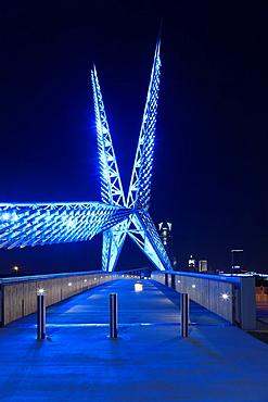 USA, Oklahoma, Oklahoma City, Skydance Footbridge over highway I-40, built 2012, dusk