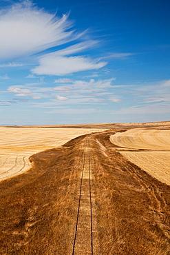USA, South Dakota, Murdo, prairie landscape off Interstate highway I-90