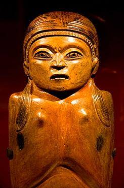 Peru  Pre-columbian woden statue