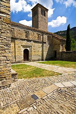 Church of San Pedro de Larrede, Mozarabic, Romanesque style, Serrablo, Alto Gallego, Huesca Province, Aragon, Aragon Pyrenees, Spain, Europe