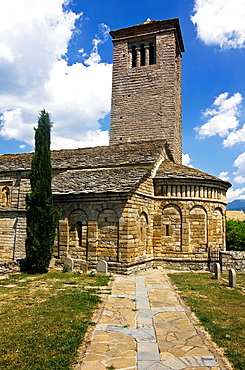 Apse and bell tower of the church Mozarabic, Romanesque San Pedro de Larrede, Serrablo, Alto Gallego, Huesca Province, Aragon, Aragon Pyrenees, Spain, Europe