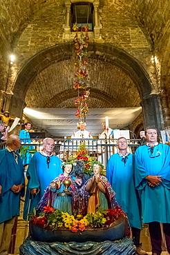 Europe, France, Bouche-du-Rhone, 13, Saintes-Marie-de-la-Mer, pilgrimage of gypsies, gardians and the saints