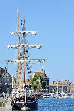 France, Brittany, Ille et Vilaine, St Malo, The harbour