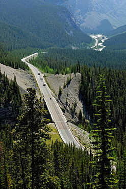 Icefelds Parkway from the Big Bend viewpoint, Banff National Park, Alberta, Canada.