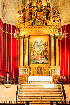 altarpiece and paint the exaltation of the Trinity, transcript of the famous Gloria Tiziano -Titian-, church with a single nave and polygonal, Monastery of San Jeronimo de Yuste, XV century, region of the Vera, Caceres, Extremadura, Spain, europe.