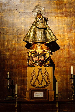 altarpiece, Our Lady Of Guadalupe, Monastery of San Jeronimo de Yuste, XV century, region of the Vera, Caceres, Extremadura, Spain, europe.