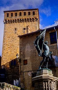 monument to Juan Bravo and Torreon de Lozoya, Plaza de Medina del Campo, Segovia, Castilla-Leon, Spain.