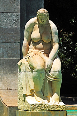 female statue monument to Garcia Sanabria in Santa Cruz de Tenerife