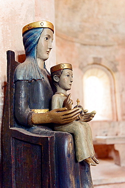 Europe, France, Var, Le Thoronet, Cistercian Abbey. Religious statue, the Virgin and Child.