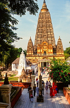 sacred Mahabodhi temple at Bodhgaya, India
