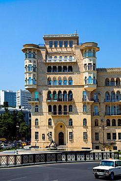 Azerbaijan, Baku City, Funikiyor Bldg., Bahram Gur Monument.