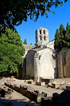 Ruins of Saint Honorat church and old sarcophaguses in Alyschamps necropolis, monument declarated World Heritage by UNESCO. Arles, Bouches-du-Rhone department, in Provence-Alpes-Cote d'Azur, France.