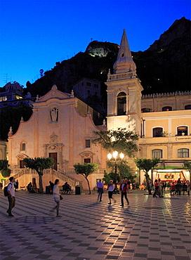 Italy, Sicily, Taormina, Piazza IX Aprile, San Giuseppe Church.