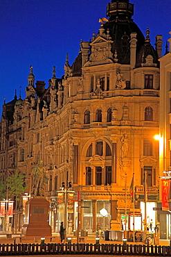 Belgium, Antwerp, Meir, street scene at night.