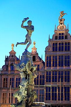 Belgium, Antwerp, Grote Markt, Brabo Fountain.