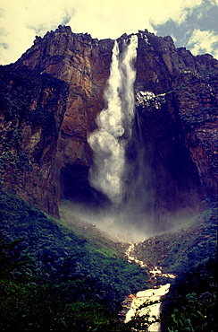 View from below of Angel Falls, the highest waterfall in the world leaping a 1000 meters from the summit of Auyantepuy. Canaima National Park, Bolivar State, Southern Venezuela.