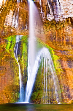 Lower Calf Creek Falls, Grand Staircase-Escalante National Monument, Utah USA.
