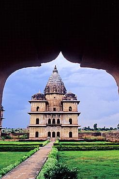 Chatris or royal cenotaphs, Orcha, Madhya Pradesh, India, Asia.