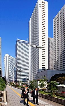Japan, Tokyo, Shinjuku, skyscrapers, businessmen,.