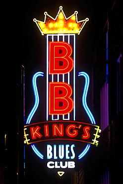 Street scene, Bb king's blues club, Beale street, Memphis, Tennessee, USA.