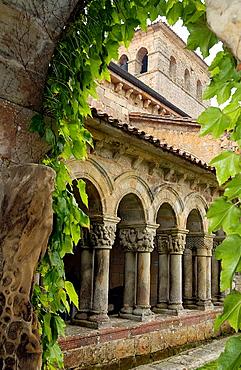 Cloister of Romanesque collegiate church, Santillana del Mar, Cantabria, Spain