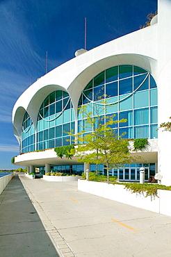 Monona Terrace designed by Frank Lloyd Wright on Lake Monona, Madison, Wisconsin, USA