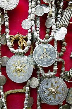 OMAN-Muscat-Mutrah: Mutrah Souk / Market- Omani Jewlery