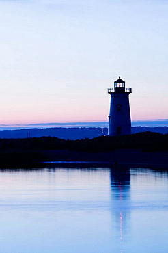 USA-MAssACHUSETTS-Martha's Vineyard: Edgartown- Edgartown Lighthouse / Dawn