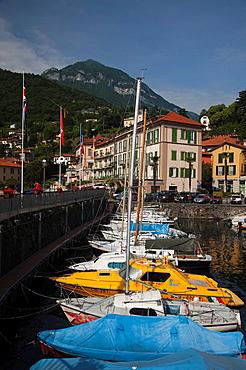 Italy, Lombardy, Lakes Region, Lake Como, Menaggio, town harbor