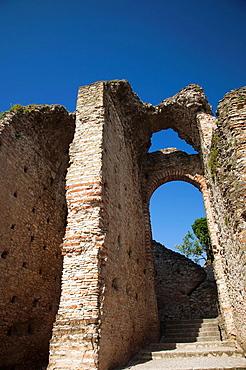 Italy, Lombardy, Lake District, Lake Garda, Sirmione, Grotte di Catullo, Roman ruins