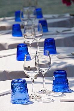 Italy, Lombardy, Lake District, Lake Garda, Salo, cafe table glasses