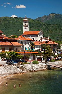 Italy, Piedmont, Lake Maggiore, Feriolo, lakefront resort town