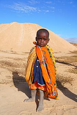 Child at Ilakaka sapphire mines, Ilakaka, Fianarantsoa province, Ihorombe Region, Southern Madagascar