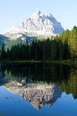 Reflections at sunset on Antorno Lake, Misurina, Tre Cime di Lavaredo, Belluno, Dolomites, Italy, Europe