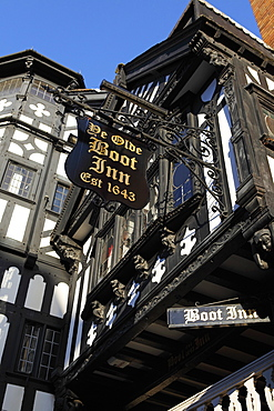 The half-timbered facade of Ye Olde Boot Inn, dating from 1643, a traditional British pub, in Chester, Cheshire, England, United Kingdom, Europe