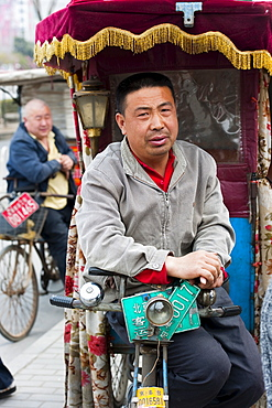 Tuk-Tuk (Three-Wheeler) driver, Fengtai District, Beijing, China, Asia