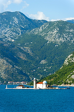 Gospa od Skrpjela (Our Lady of the Rock) island, Bay of Kotor, UNESCO World Heritage Site, Montenegro, Europe