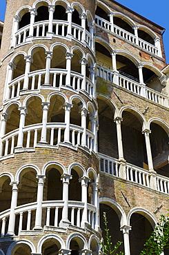 Scala Contarini del Bovolo (Snail Staircase), Palazzo Contarini del Bovolo (Palazzo Contarini Minelli del Bovolo), Venice, UNESCO World Heritage Site, Veneto, Italy, Europe