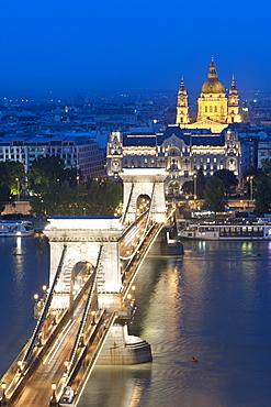 Szechenyi Chain Bridge, the Danube River, Gresham Palace and St. Stephen's Basilica, Budapest, Hungary, Europe