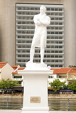 Statue of Sir Stamford Raffles at Boat Quay in Singapore.