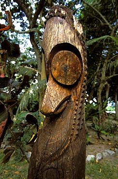 Wooden statue on the small resort island of  Erakor in Erakor Lagoon just south of the capital, Efate Island, Port Vila, Vanuatu