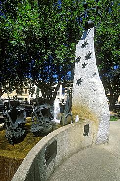 The Tasman Fountain, commemorating Abel Tasman, the Dutch discoverer of Tasmania, Parliament Square, Hobart, Tasmania, Australia, Pacific