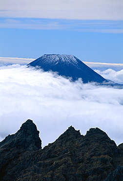 The top of the volcanic cone of Mount Ngauruhoe in the Tongariro National Park in the Wellington area of the North Island of New Zealand, Australasia  - 83-9772