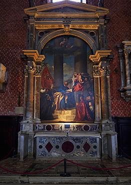 Madonna di Ca Pesaro, altarpiece painted by Titian between 1519 and 1526, Santa Maria Gloriosa dei Frari, Venice, UNESCO World Heritage Site, Veneto, Italy, Europe