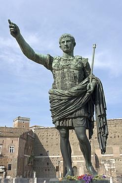 Bronze statue of Roman emperor Octavian near the Forum of Octavian Augustus, Via dei Fori Imperiali, Rome, Italy, Europe