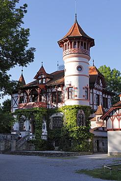 Scheuermann-Schloesschen manor, Kurparkschloessl, spa gardens, Herschinger, Ammersee lake, Fuenfseenland or Five Lakes region, Upper Bavaria, Bavaria, Germany, Europe
