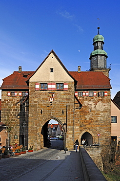 The Nuernberger Tor gate, in the back the Johanniskirche church, market place, Lauf an der Pegnitz, Middle Franconia, Bavaria, Germany, in Europe